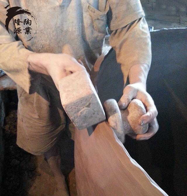 手工制作土陶酒坛